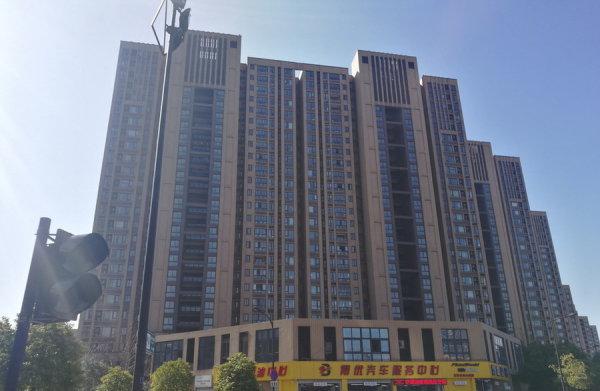 西湖国际城新房和金地自在城二手买哪个?